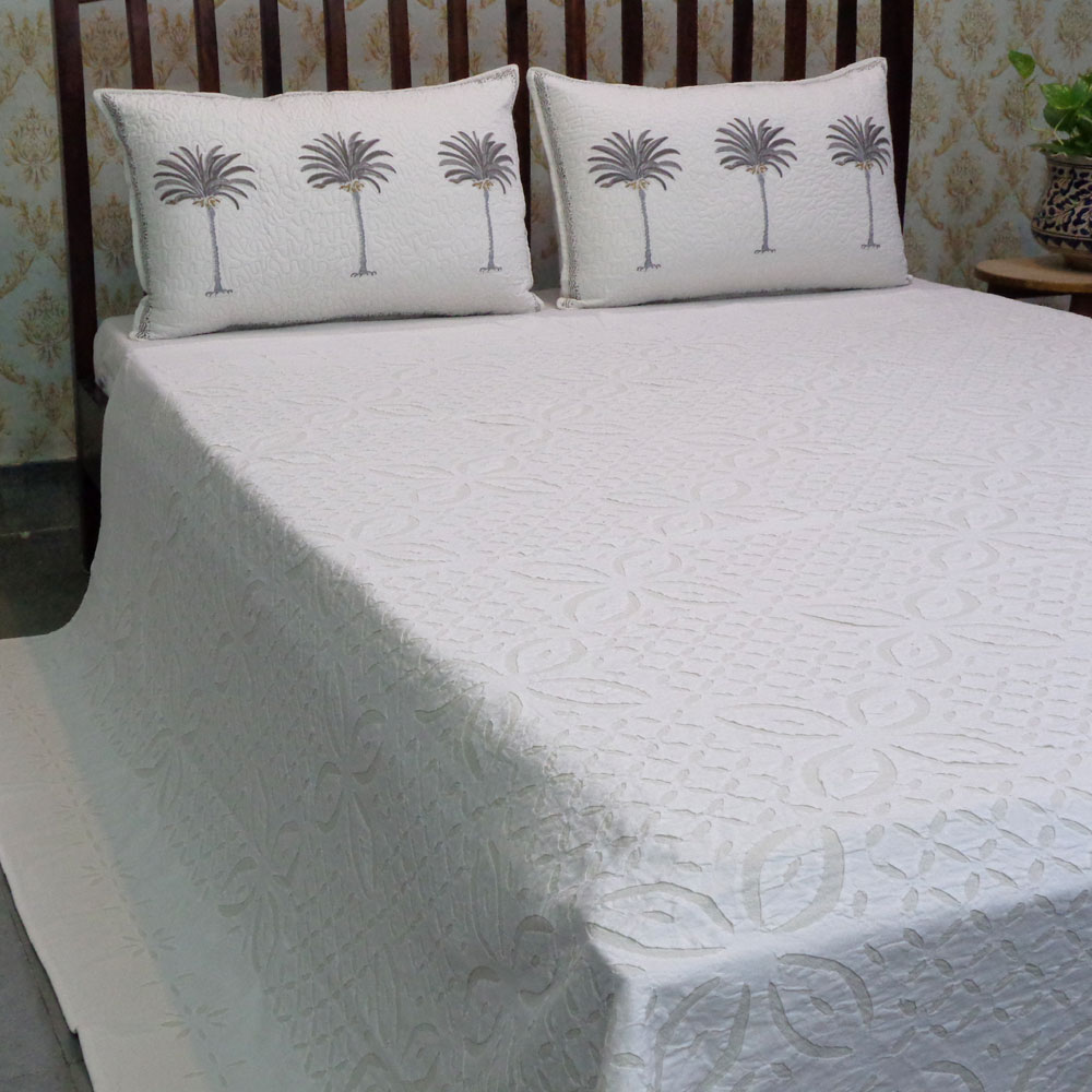 Hand Cut Work Cotton Applique Bedspread Queen Size | 102895