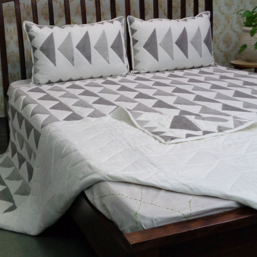 Indian Soft Cotton Quilted Bedspread Queen Size | 108624