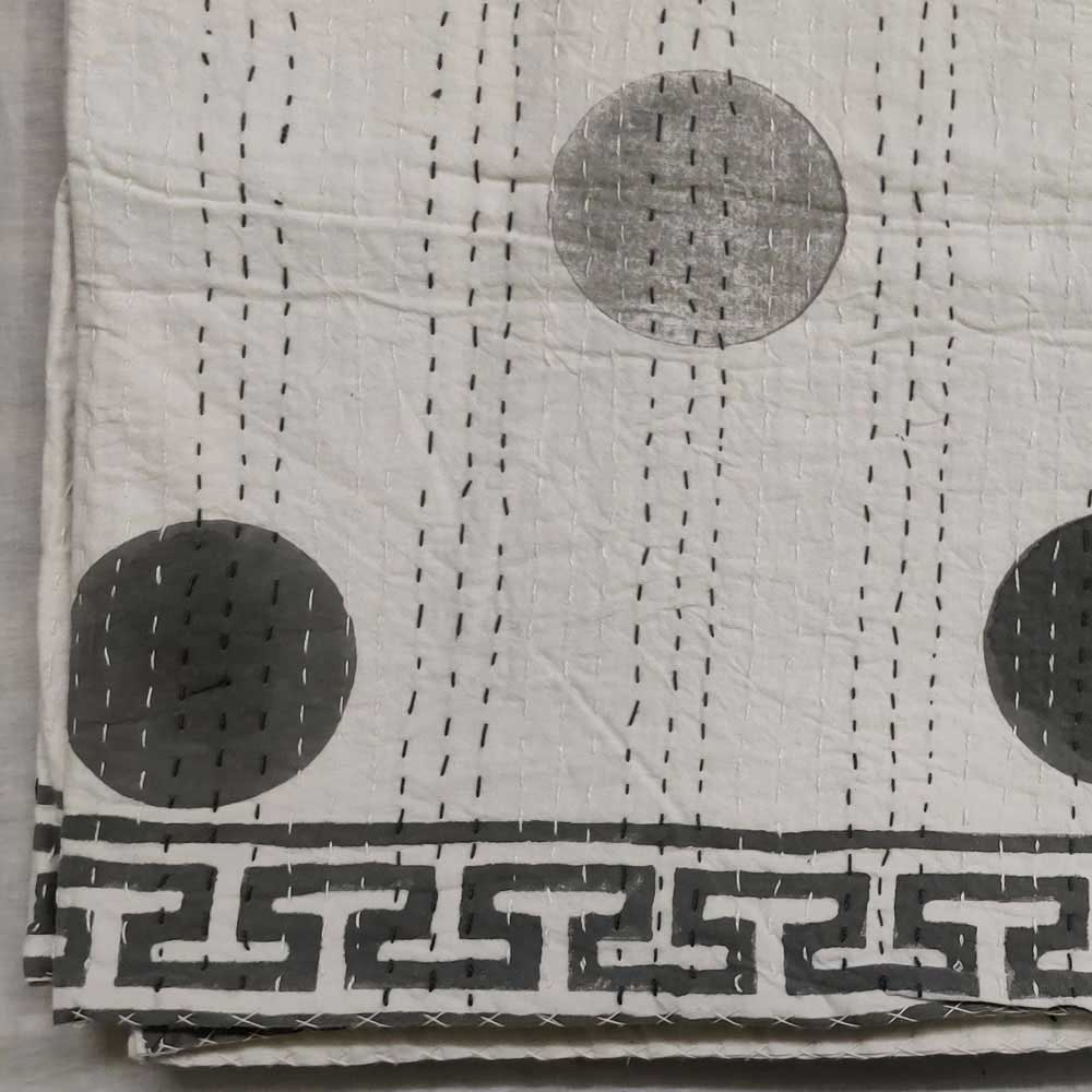 Hand Block Printed Cotton Sanganer Kantha Queen Size | Bindi Smoky Grey 171957