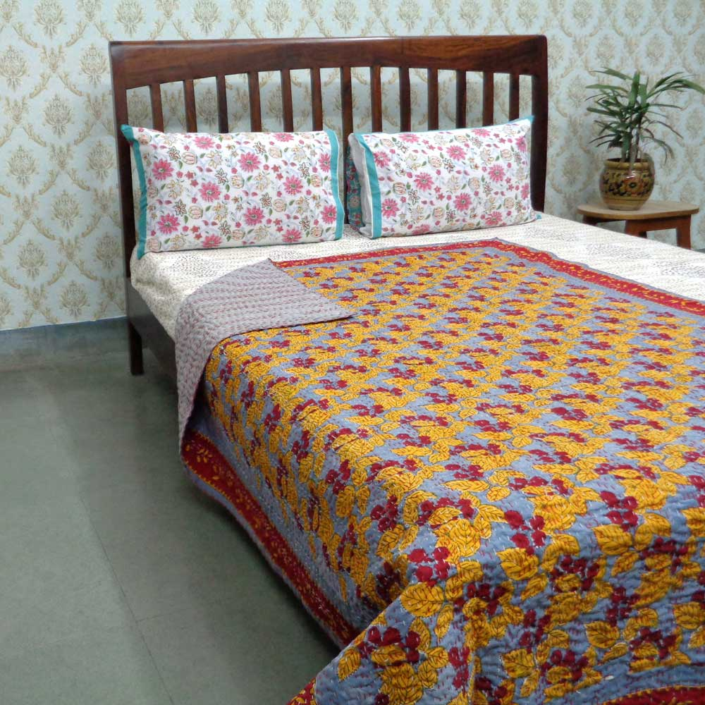 Raspberry Moonlight 104634 Kantha Twin Quilt in Cotton