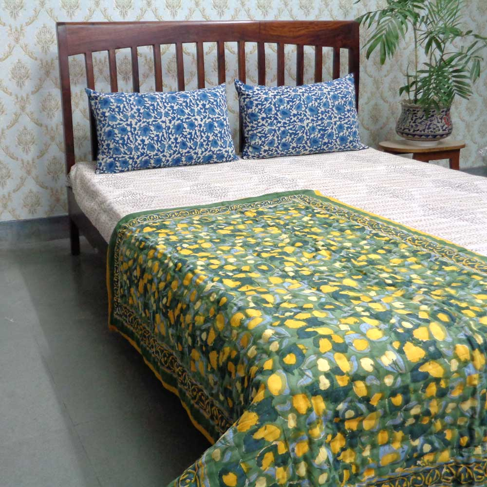Handmade Block Printed Cotton Baby Size Quilt | Wet Leaves Green 100401