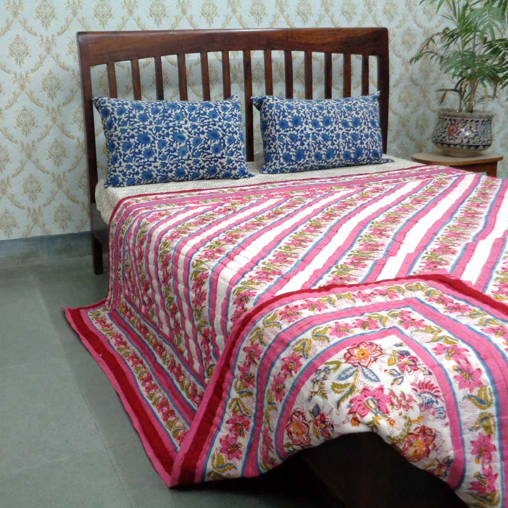 Flower Bed Diagonally spread across this Queen Size Quilt 1561