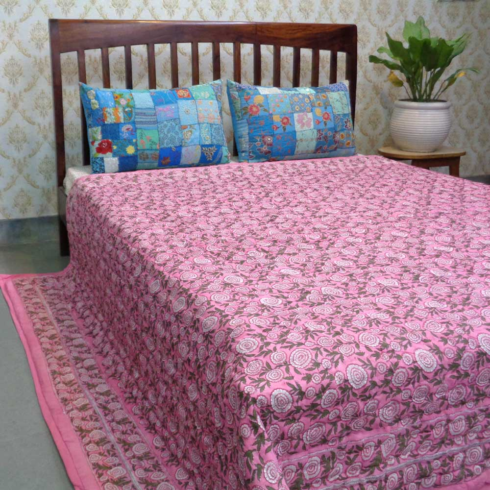 Hand Block Printed Cotton Queen Size Quilt | Gol Phool Pink 103453