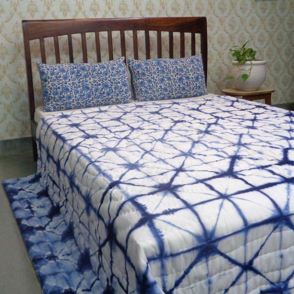Hand-Dyed Shibori Style Cotton Quilt Queen Size | Tare 109822