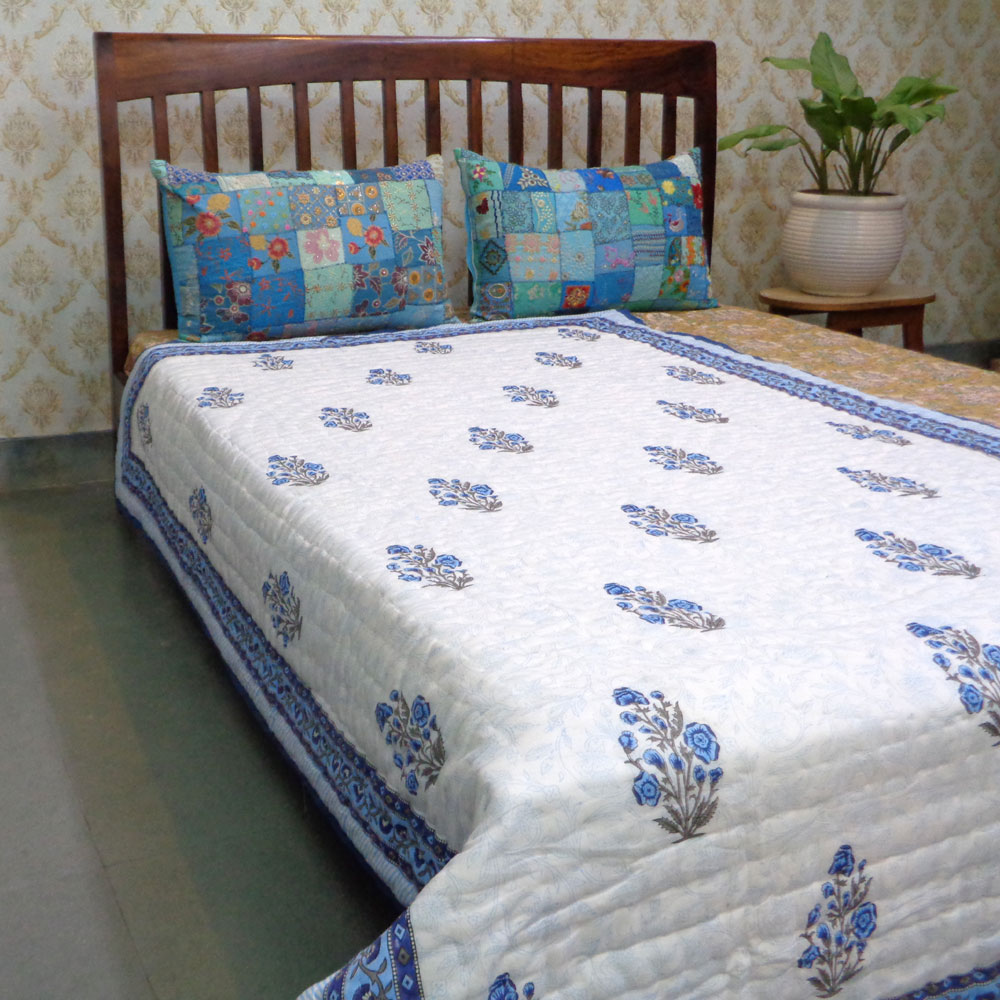 Hand Block Printed Cotton Twin Size Quilt | Chain Link Booti Blue 105459